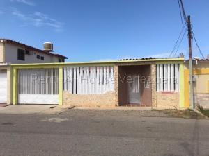 Casa En Ventaen Punto Fijo, Puerta Maraven, Venezuela, VE RAH: 20-9163