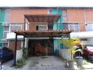 Townhouse En Ventaen Guarenas, Nueva Casarapa, Venezuela, VE RAH: 20-9171