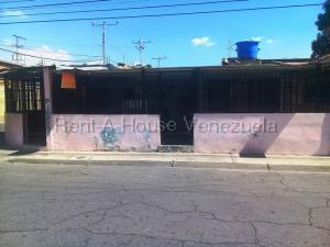 Casa En Ventaen Maracay, La Esmeralda, Venezuela, VE RAH: 20-9179