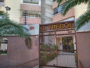 Apartamento En Ventaen Maracay, Urbanizacion El Centro, Venezuela, VE RAH: 20-9218