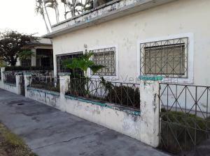 Casa En Ventaen Maracay, San Miguel, Venezuela, VE RAH: 20-9264