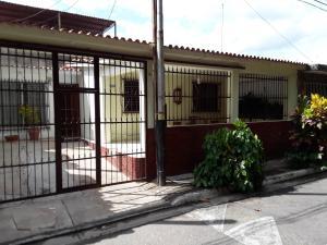 Casa En Ventaen Municipio San Diego, Monteserino, Venezuela, VE RAH: 20-9287