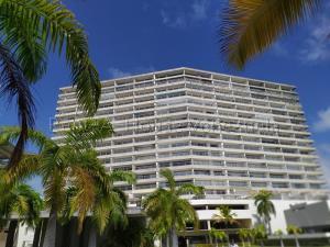 Apartamento En Ventaen Tucacas, Tucacas, Venezuela, VE RAH: 20-9434