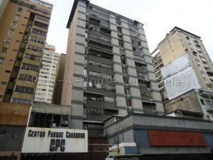 Apartamento En Ventaen Caracas, Parroquia La Candelaria, Venezuela, VE RAH: 20-9348