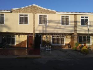 Townhouse En Ventaen Maracaibo, Juana De Avila, Venezuela, VE RAH: 20-9389