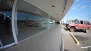 Local Comercial En Alquileren Maracaibo, Avenida Delicias Norte, Venezuela, VE RAH: 20-9449
