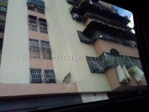 Apartamento En Ventaen Caracas, San Martin, Venezuela, VE RAH: 20-9553
