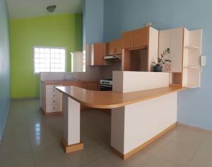 Apartamento En Ventaen Coro, Sector La Floresta, Venezuela, VE RAH: 20-7519
