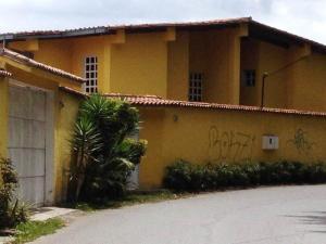 Casa En Ventaen Caracas, Loma Larga, Venezuela, VE RAH: 20-9565