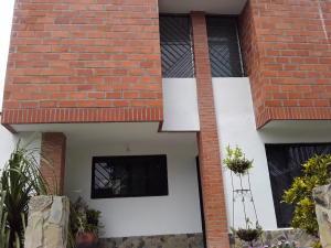 Townhouse En Ventaen Turmero, San Pablo, Venezuela, VE RAH: 20-9586