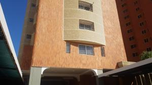 Apartamento En Alquileren Maracaibo, Avenida El Milagro, Venezuela, VE RAH: 20-9251