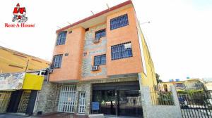 Apartamento En Ventaen Maracay, Zona Centro, Venezuela, VE RAH: 20-9630
