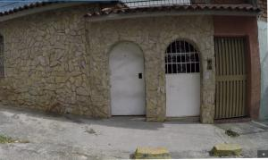 Casa En Ventaen Guarenas, Guarenas, Venezuela, VE RAH: 20-9635