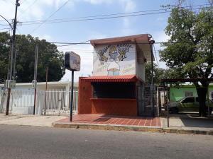 Local Comercial En Ventaen Municipio San Francisco, Sierra Maestra, Venezuela, VE RAH: 20-9641