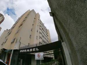 Apartamento En Ventaen Caracas, Parroquia La Candelaria, Venezuela, VE RAH: 20-9653