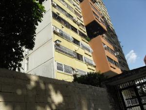Apartamento En Ventaen Municipio Naguanagua, Palma Real, Venezuela, VE RAH: 20-9677