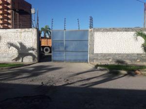 Galpon - Deposito En Ventaen Parroquia Caraballeda, Caribe, Venezuela, VE RAH: 20-9809