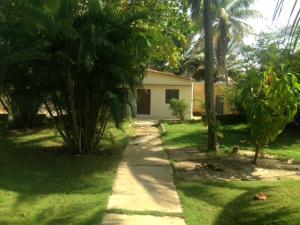 Casa En Ventaen Los Puertos De Altagracia, Via Principal, Venezuela, VE RAH: 20-9823