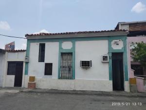 Casa En Ventaen Maracay, San Agustin, Venezuela, VE RAH: 20-9936