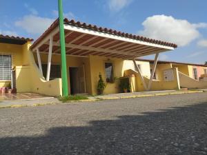 Casa En Ventaen Cabudare, El Amanecer, Venezuela, VE RAH: 20-9948