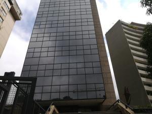 Local Comercial En Ventaen Caracas, Santa Eduvigis, Venezuela, VE RAH: 20-10047