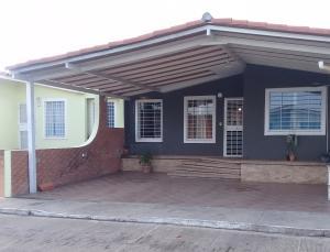 Casa En Ventaen Barquisimeto, Parroquia Tamaca, Venezuela, VE RAH: 20-10198