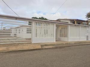 Casa En Ventaen Punto Fijo, Puerta Maraven, Venezuela, VE RAH: 20-10214