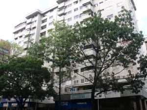 Apartamento En Ventaen Caracas, El Rosal, Venezuela, VE RAH: 20-10237