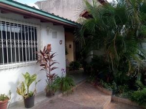 Casa En Ventaen Maracay, La Mulera, Venezuela, VE RAH: 20-10254