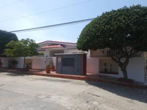 Casa En Ventaen Maracaibo, Sabaneta, Venezuela, VE RAH: 20-10270