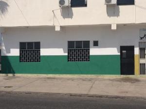 Local Comercial En Alquileren Cabudare, La Mata, Venezuela, VE RAH: 20-10359