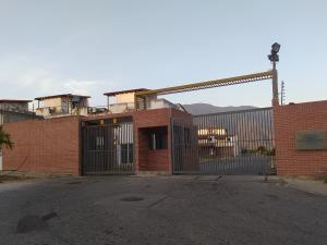 Casa En Ventaen Guatire, Guatire, Venezuela, VE RAH: 20-10529