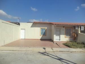Casa En Ventaen Guacara, Ciudad Alianza, Venezuela, VE RAH: 20-10546
