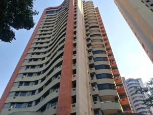 Apartamento En Ventaen Valencia, Las Chimeneas, Venezuela, VE RAH: 20-10574