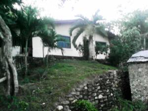 Terreno En Ventaen Municipio Vargas, Caruao, Venezuela, VE RAH: 20-11014