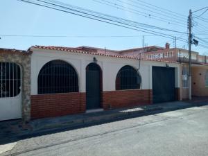 Casa En Ventaen Turmero, Valle Lindo De Turmero, Venezuela, VE RAH: 20-10625