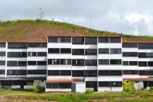 Apartamento En Ventaen Los Teques, El Solar De La Quinta, Venezuela, VE RAH: 20-10626