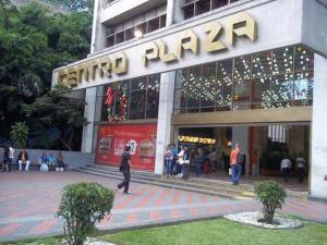 Local Comercial En Alquileren Caracas, Los Palos Grandes, Venezuela, VE RAH: 20-10674