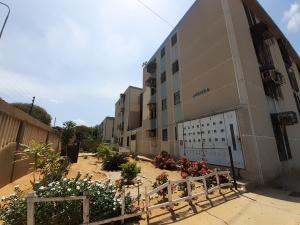 Apartamento En Ventaen Maracaibo, Avenida Goajira, Venezuela, VE RAH: 20-10739