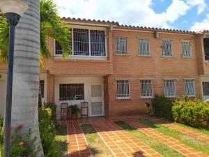 Townhouse En Ventaen Guarenas, Terraza I Buenaventura, Venezuela, VE RAH: 20-10784