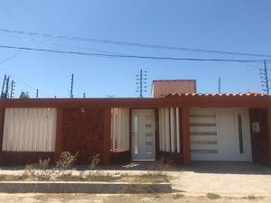 Casa En Ventaen Punto Fijo, Puerta Maraven, Venezuela, VE RAH: 20-10846