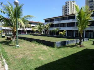 Apartamento En Ventaen Higuerote, Ciudad Balneario Higuerote, Venezuela, VE RAH: 20-10933
