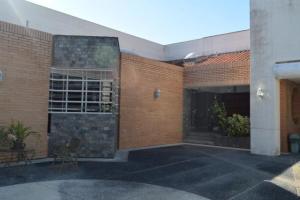 Casa En Ventaen San Antonio De Los Altos, Club De Campo, Venezuela, VE RAH: 20-10941