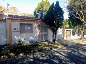 Casa En Ventaen Caracas, Santa Ines, Venezuela, VE RAH: 20-11004