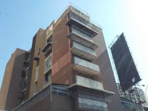 Apartamento En Ventaen Maracay, Avenida Bolivar, Venezuela, VE RAH: 20-9124