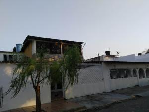 Casa En Ventaen Turmero, La Fuente, Venezuela, VE RAH: 20-11067