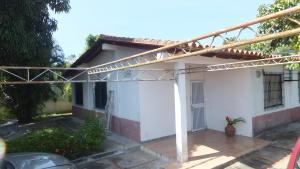 Casa En Ventaen Higuerote, Club Campestre El Paraiso, Venezuela, VE RAH: 20-11135