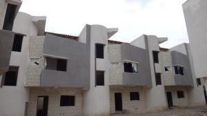 Casa En Ventaen Maracay, Barrio Sucre, Venezuela, VE RAH: 20-11143