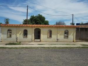Casa En Ventaen Municipio San Francisco, Manzanillo, Venezuela, VE RAH: 20-11184