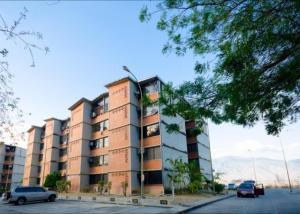 Apartamento En Ventaen Guarenas, Nueva Casarapa, Venezuela, VE RAH: 20-11194